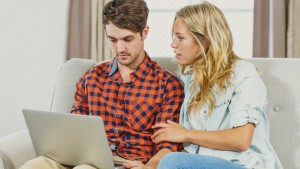 Couple-discussing-finances